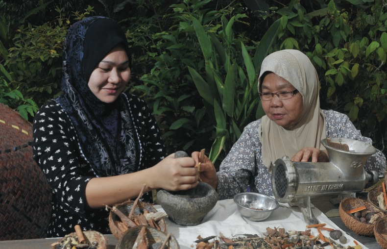 Online research has helped Herba Warisan Abad reach into new markets and add 16 new products to their product line